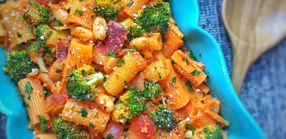 Rigatoni with Roasted Red Pepper Pesto Broccoli & White Beans